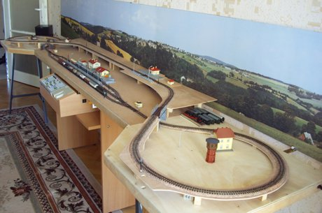 Model train layouts track plans in n scale various for N scale bedroom layout